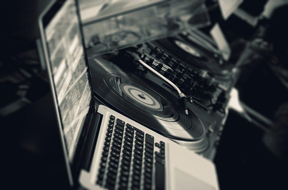 5 consejos para elegir una boda DJ